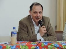 Professor Roberto Verdum