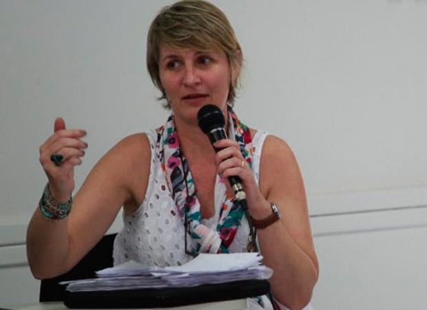 Tatiana Gerhardt, da Comissão de CSHS, reforça a importância da construção coletiva da programação do congresso - Foto: Abrasco